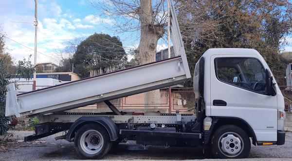 Utilitaire camion benne Nissan Cabstar 3T5 en location